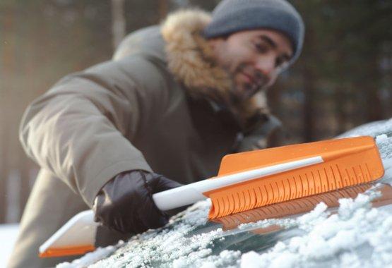 Preglejte ponudbo novih pripomočkov za čiščenje snega z avtomobila